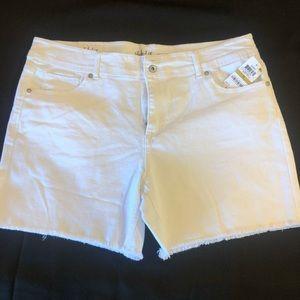 Style&co- white jean shorts